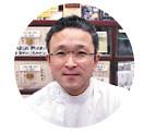くすり東洋堂店長|小深田